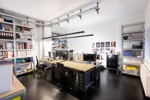 Büroraum für Coworking im Studio Totale in Wien mit Grünblick