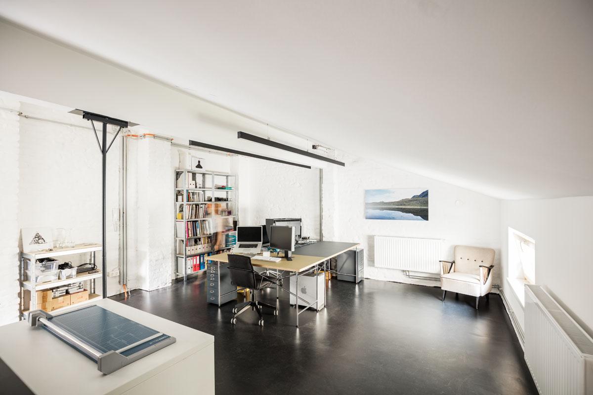 Büro im Obergeschoß mit Klimaanlage im Studio Totale in Wien